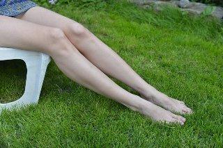 足のむくみを解消する夜用の着圧サポーターソックスの選び方